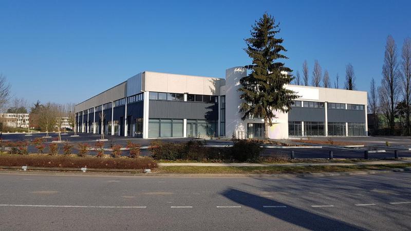 A VENDRE LOCAUX D'ACTIVITES / BUREAUX DE 120 a 290 m² a COURCOURONNES (91) - Photo 1