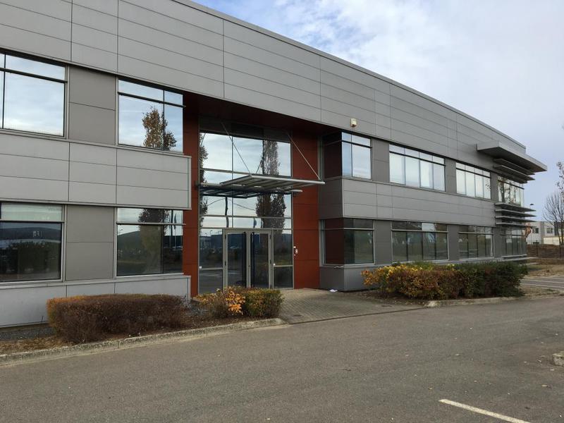 A louer entrepôt / bureaux à Lieusaint (77) - Photo 1