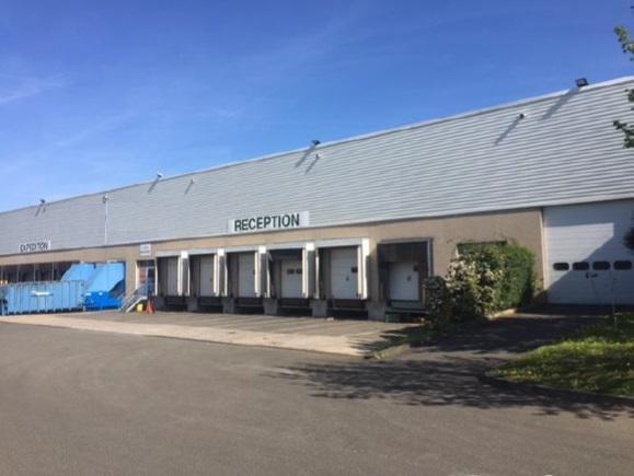 A vendre/à louer entrepôt logistique de 11 635m² divisible à partir de 750 m² - Photo 1
