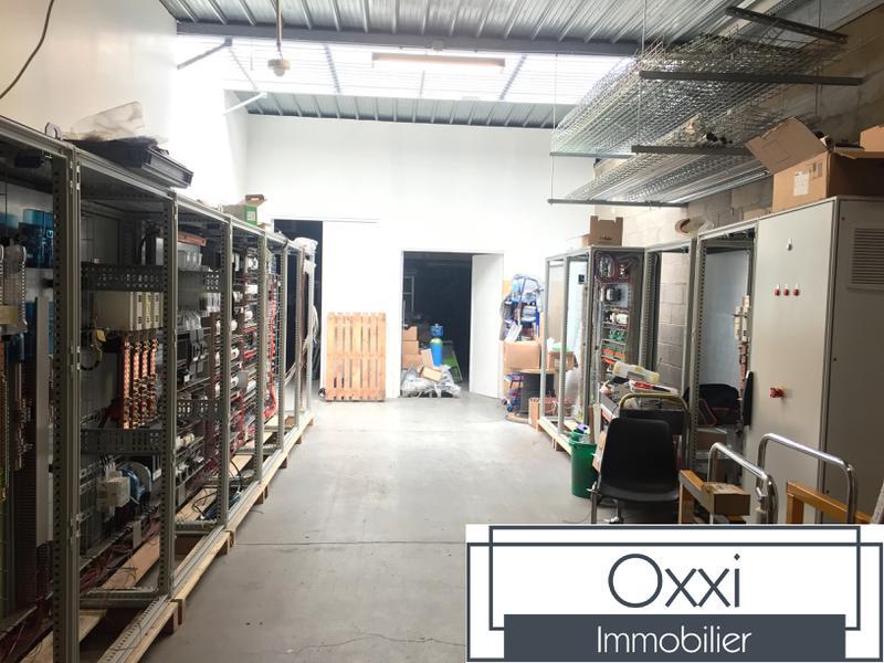 Local d'activité avec bureaux climatisés - Photo 1