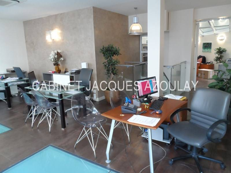location commerces paris 15 75015 110m2. Black Bedroom Furniture Sets. Home Design Ideas