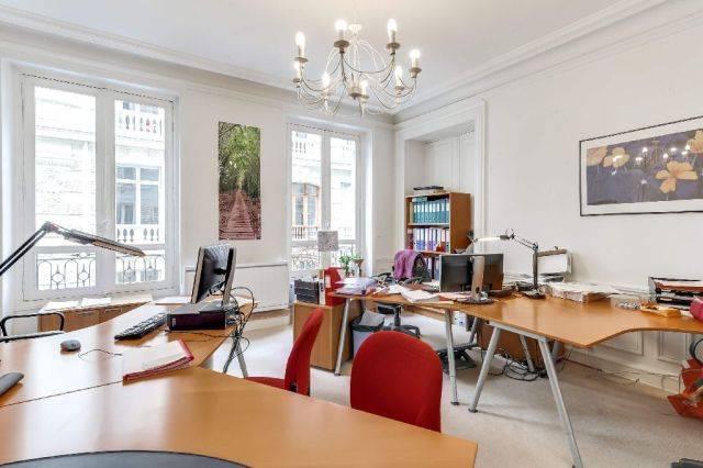 vente bureaux paris 08 75008 157m2. Black Bedroom Furniture Sets. Home Design Ideas