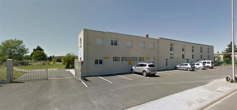 ENSEMBLE IMMOBILIER- idéal investisseur - 630 m² ENVIRON SUR UN TERRAIN DE 7 000 M² - A VENDRE - BLOIS - Photo 1