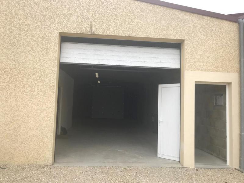 LOCAL 160 m² dont 42m² de BUREAU - Photo 1