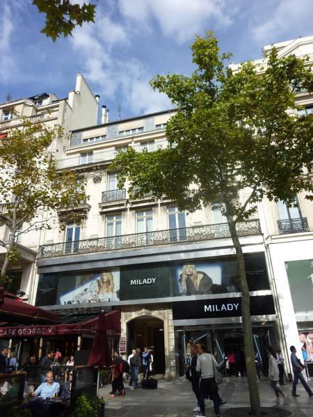 Bureaux à Louer - Champs Elysées - 83 m2  - 4ème étage - Photo 1