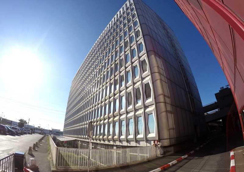 A LOUER, Au pied du Centre Commercial - Photo 1