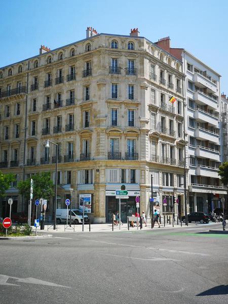 LOCATION BUREAUX 405m2 MARSEILLE 2ème - Photo 1