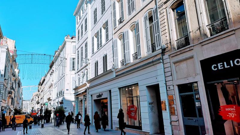 LOCATION BUREAUX 163 m² rue GRIGNAN - Photo 1