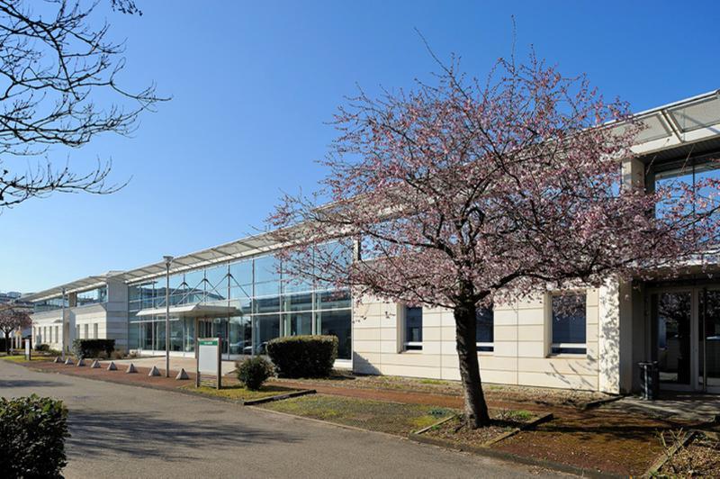 Bureaux à vendre ou à louer EUROPARC du Chêne à Bron - Photo 1