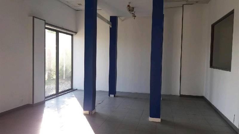 vente locaux d activit 233 s locaux commerciaux plaisance du touch 31830 406m2 bureauxlocaux