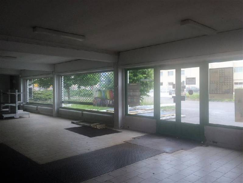 Location entrep t toulouse 31100 600m2 for Location garage toulouse 31100