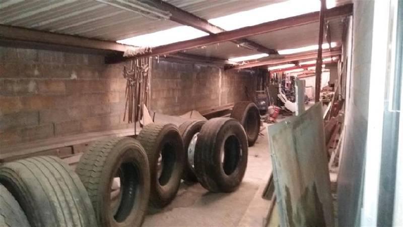 Location entrep ts locaux d 39 activit s toulouse 31300 for Location garage toulouse 31300