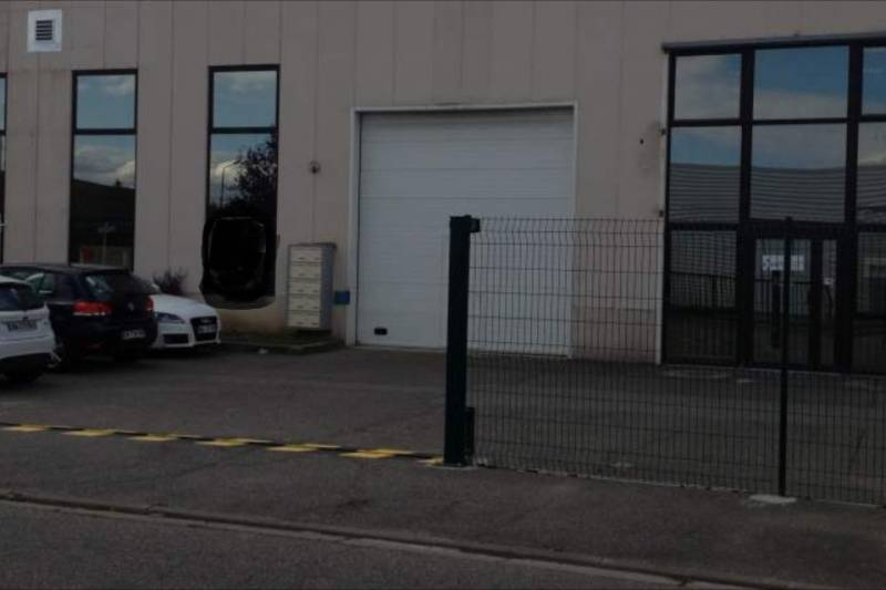 Location commerces toulouse 31100 243m2 for Location garage toulouse 31100