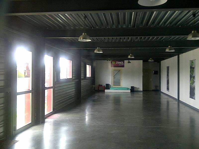 Location commerces toulouse 31300 1 100m2 for Location garage toulouse 31300