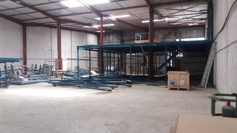 Location commerces toulouse 31100 720m2 for Location garage toulouse 31100