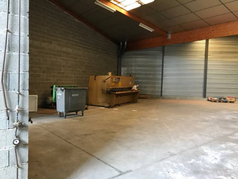 Location commerces toulouse 31100 360m2 for Location garage toulouse 31100