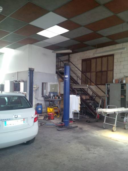 Location commerces toulouse 31100 325m2 for Location garage toulouse 31100