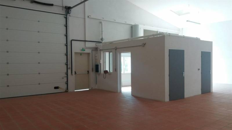 Location commerces toulouse 31100 300m2 for Location garage toulouse 31100