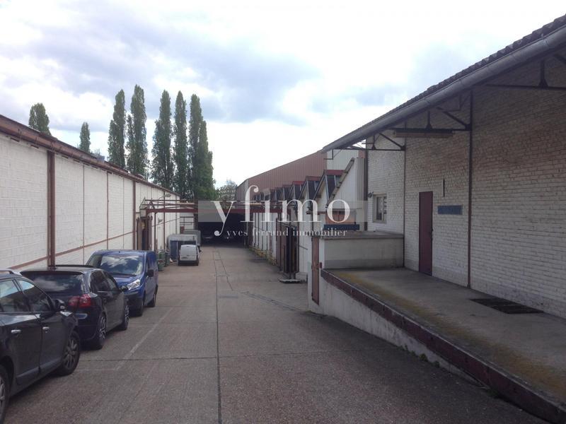 Local d'activité 3492 m2 divisibles Meulan - Photo 1