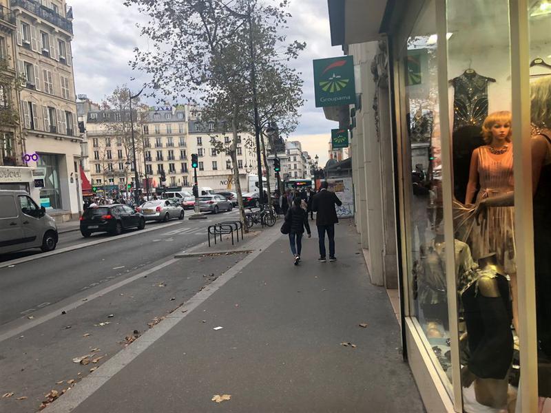 Location Commerces PARIS 75018 - Photo 1