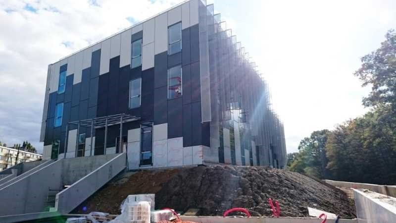 Location bureaux saint germain en laye 78100 236m2 for Immeuble bureaux hqe