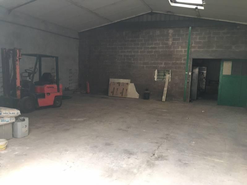 A vendre surface mixte de 350 m² d'activités/bureaux à Poissy - Photo 1