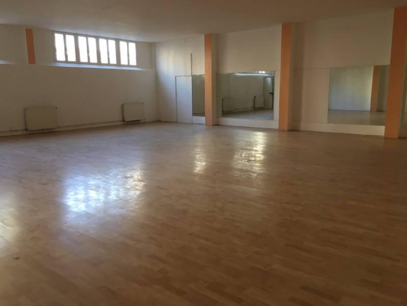 A LOUER local d'activités de 681 m² PROCHE CENTRE VILLE Argenteuil - Photo 1