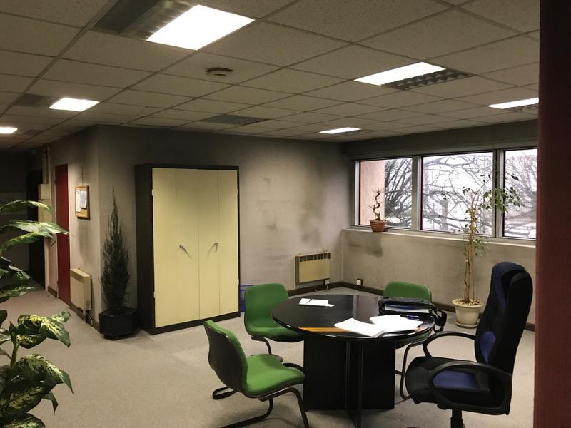 A vendre 114 m² de bureaux à Argenteuil - Photo 1