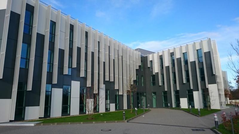 A LOUER 2 lots 251 et 564 m² de bureaux NEUFS à St Germain en Laye - Photo 1