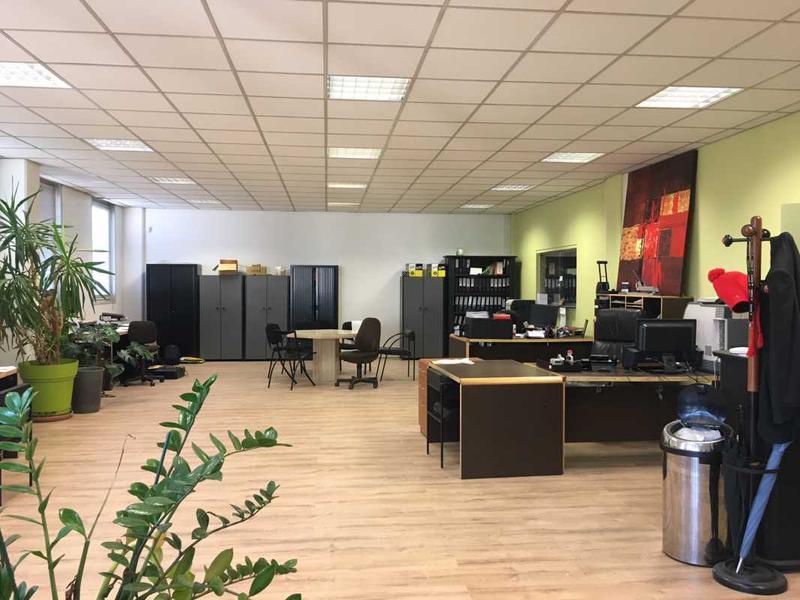 A LOUER 650 m² d'activités avec bureaux à Argenteuil - Photo 1