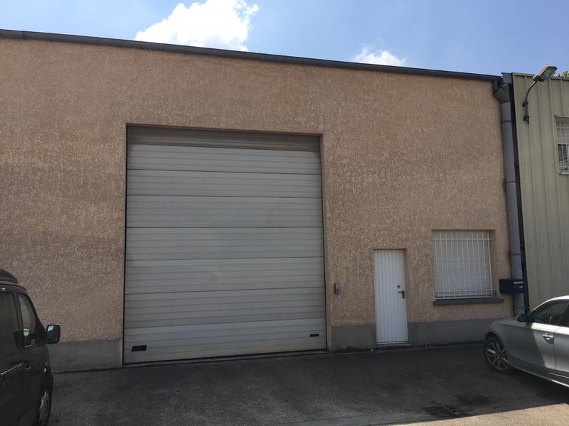 A louer 2 lots d'activités de 282 et 343 m² et 1 bureau de 35 m² à Morainvilliers - Photo 1