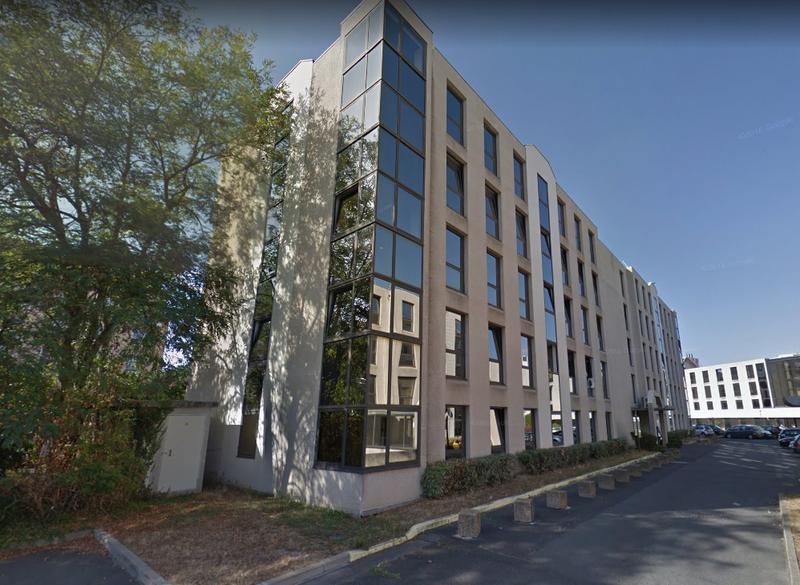 A louer 2 lots de bureaux de 39 et 45 m² dans l'Espace Lumière à Chatou - Photo 1