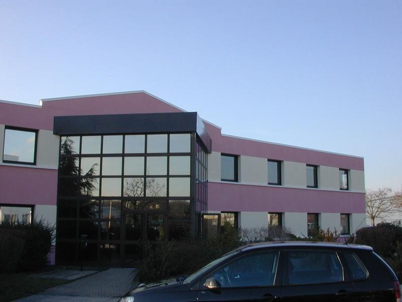 TECHNOPARC POISSY - A louer 2 lots de bureaux de 275 et 400 m² - Photo 1