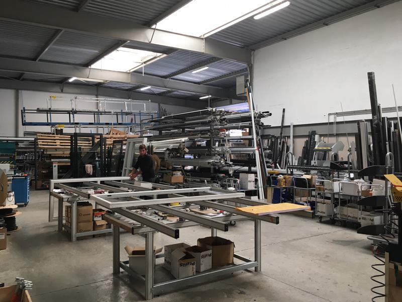 A LOUER 682 m² d'activités et bureaux à Argenteuil - Photo 1