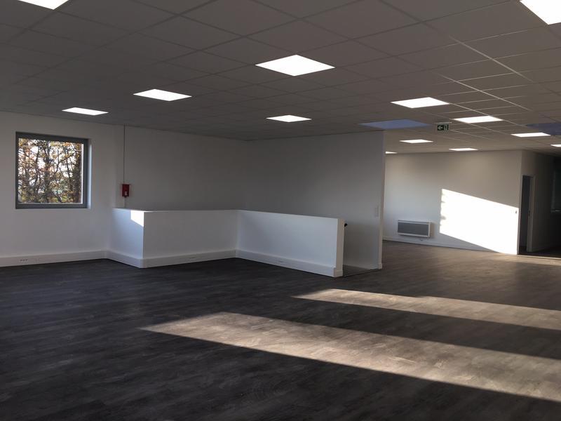 A VENDRE 376 m² d'activités avec bureaux - NEUF - à Frépillon - Photo 1