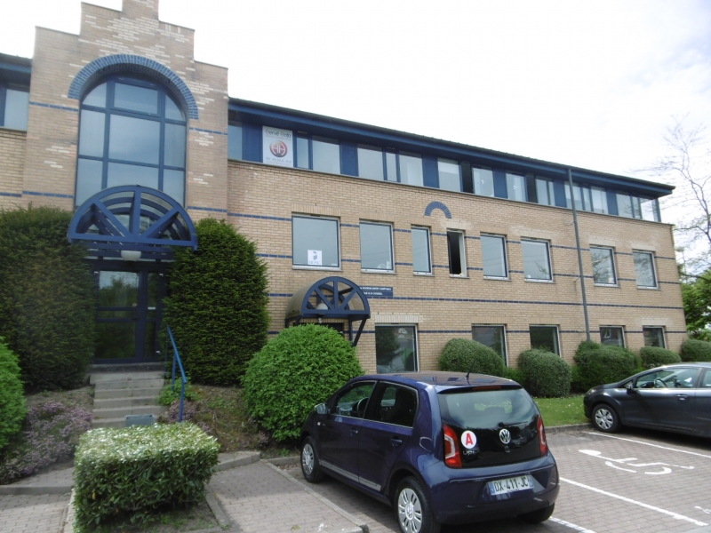 A LOUER bureaux 200 m² et 350 m² VILLENEUVE D'ASCQ Reccueil