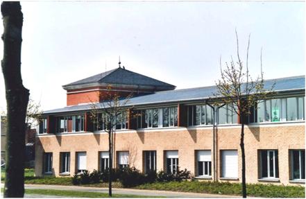 VOISINS - Surfaces de bureaux rénovées divisibles - Photo 1