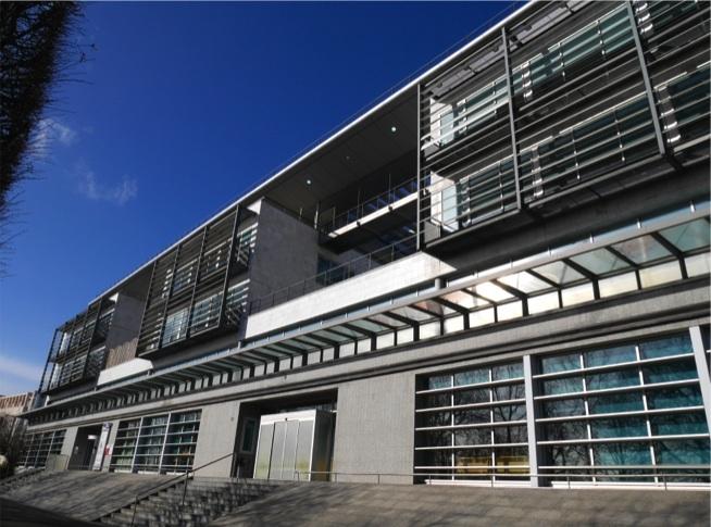 PUTEAUX- Surfaces de bureaux rénovées en Front Seine