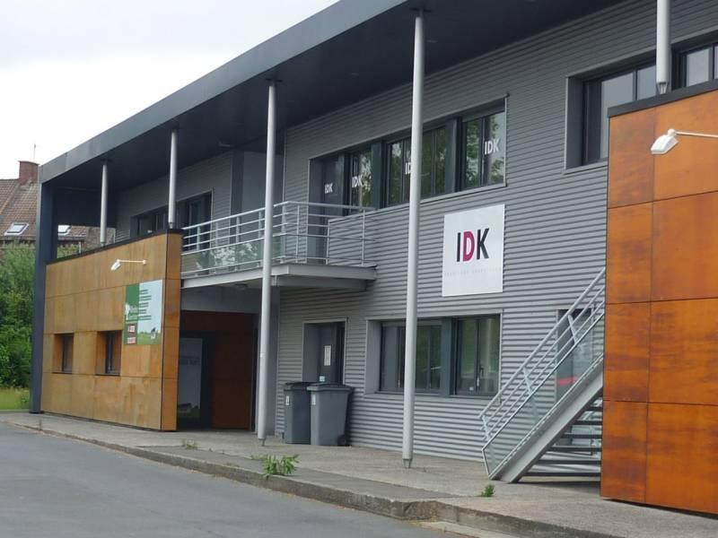 A LOUER Locaux d'activités récents 272 m²