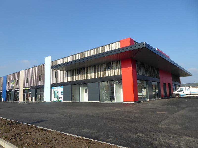 A louer locaux d'activités neufs PILATERIE divisibles à partir de 400 m² - Photo 1