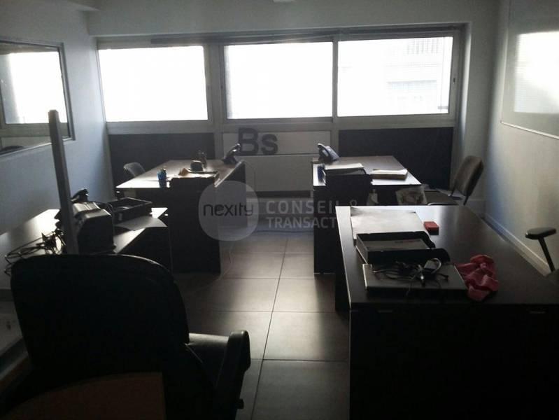 location bureaux marseille 13008 150m2. Black Bedroom Furniture Sets. Home Design Ideas