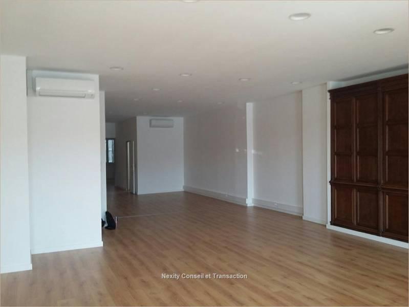 location bureaux marseille 13002 168m2. Black Bedroom Furniture Sets. Home Design Ideas