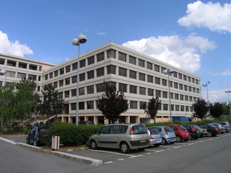A louer à Rungis, Immeuble de bon standing, entièrement rénové. - Photo 1