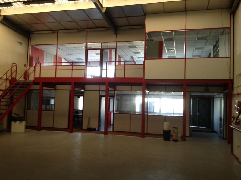 Local d'activité Stockage et bureaux Orléans OUEST - 45