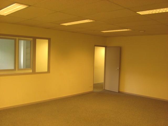 Location bureaux besan on 25000 440m2 for Location bureau 64