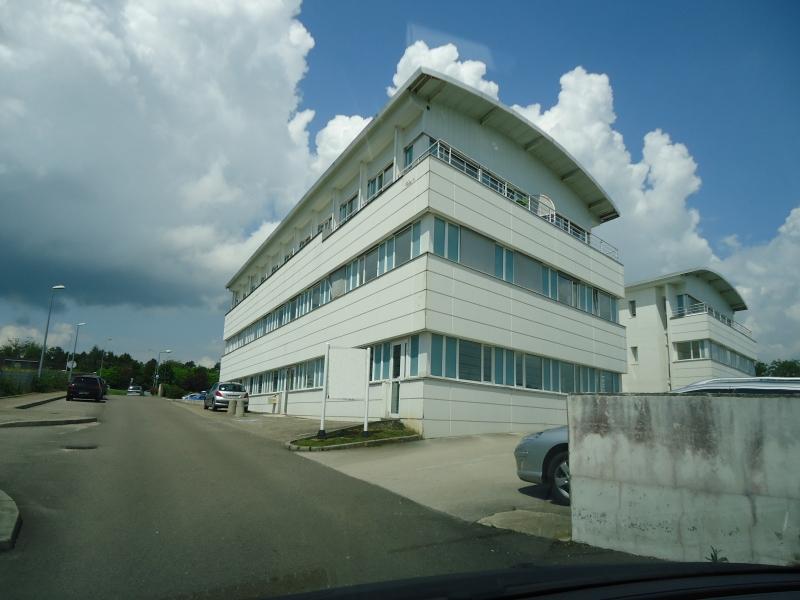 BUREAUX 563 m² DOLE Divisible