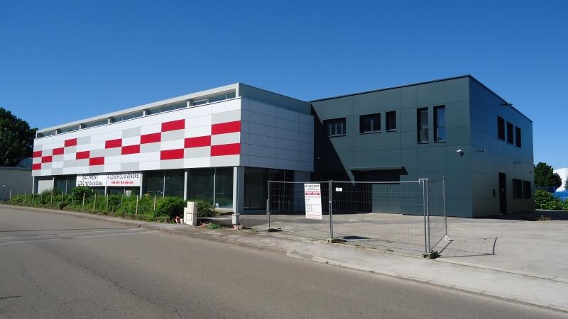 Locaux activites 480 m² + 585 m²