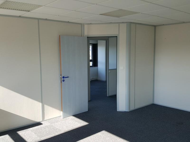 Diverses surfaces pour total de 1675 m² - Photo 1