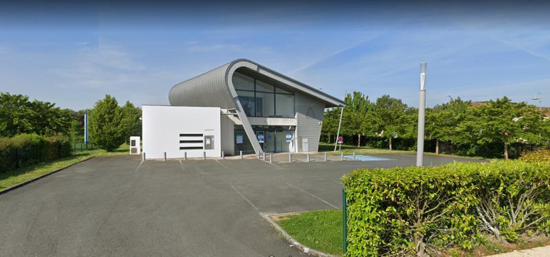 Local commercial Poitiers 483.73 m² zone du Patis face CHU - Photo 1