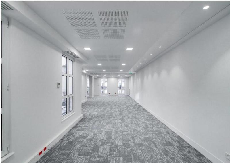 Beaux bureaux rénovés sur 4 étages avec balcons - Photo 1